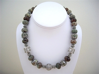 Picture of Serpentine, Swarovski Crystals and 925 Silver Components