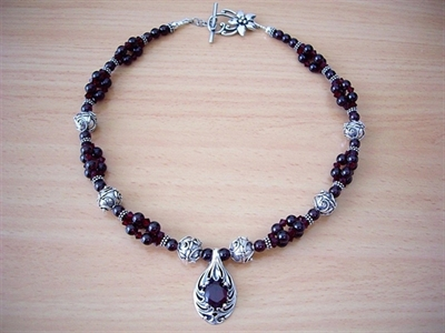 Picture of Garnet, Swarovski Crystals and 925 Silver Components