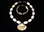 Picture of Mother of Pearl, Akar Shell Pendant and 925 Silver Components